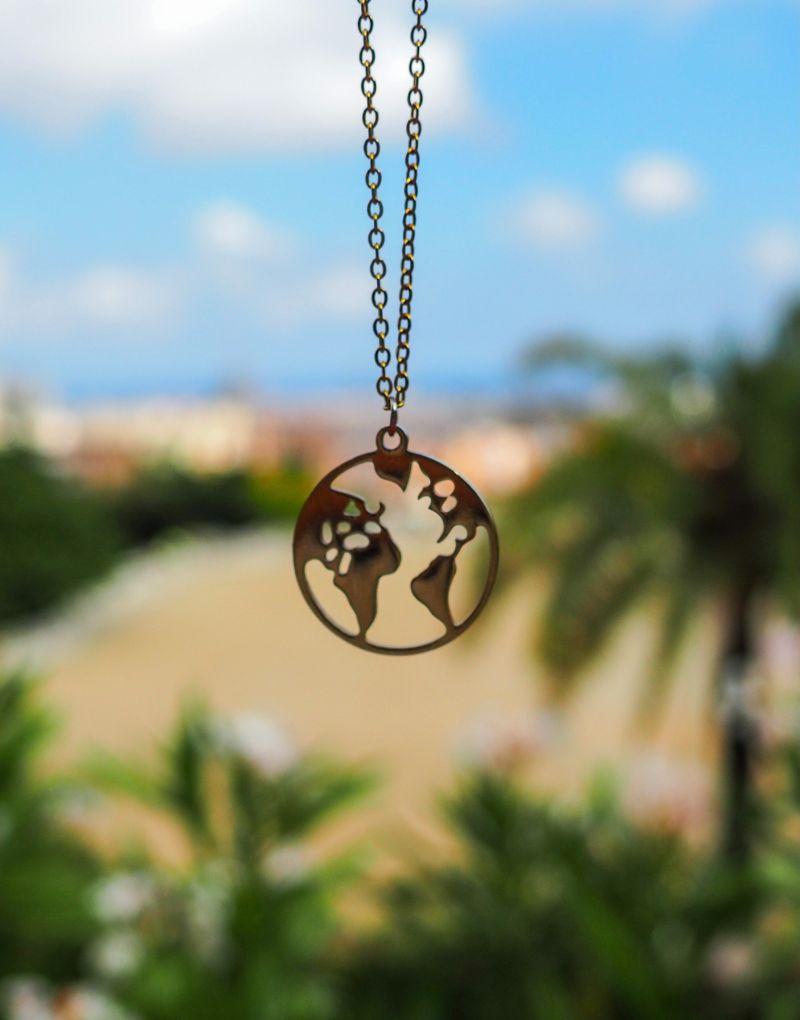 prívěsek náhrdeník planeta země zlatý